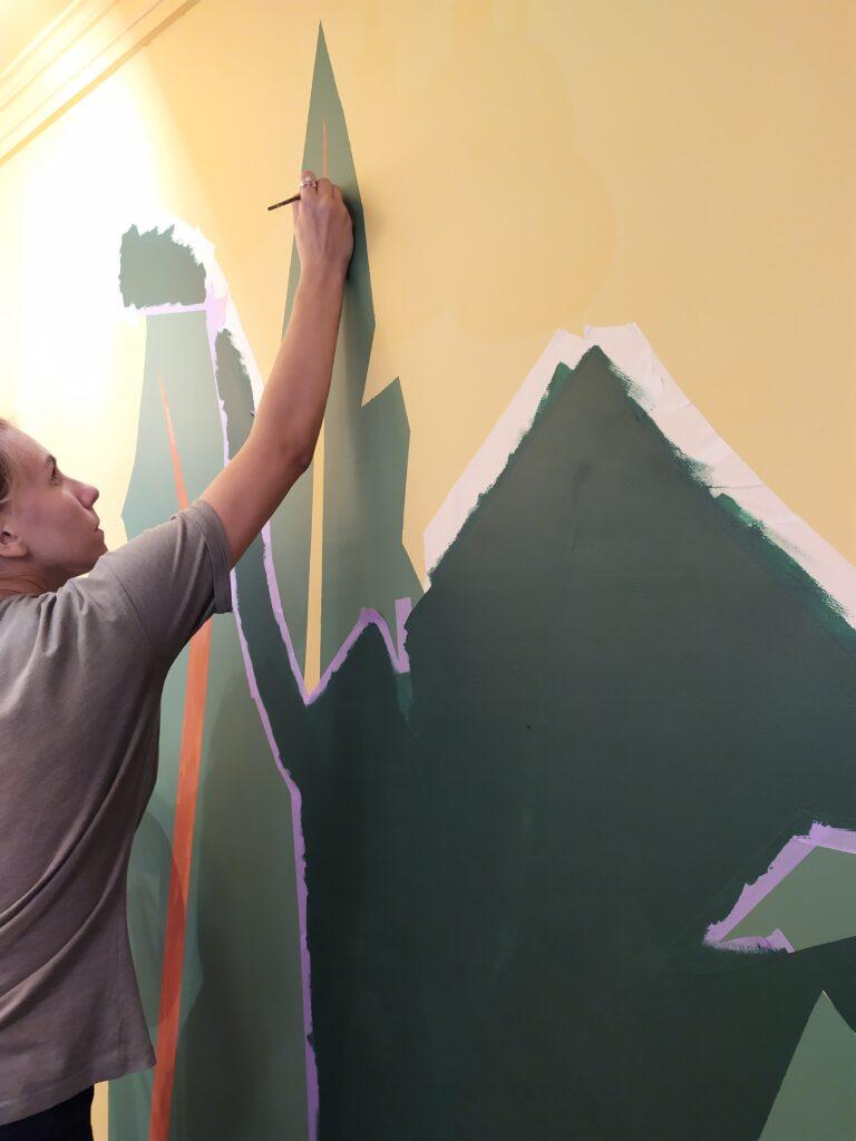 как нарисовать листья на стене