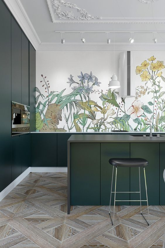 цветочки на кухне на стене