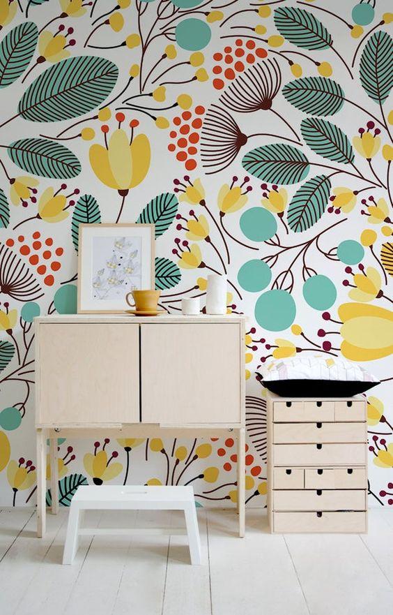 рисунок цветов на стене в квартире