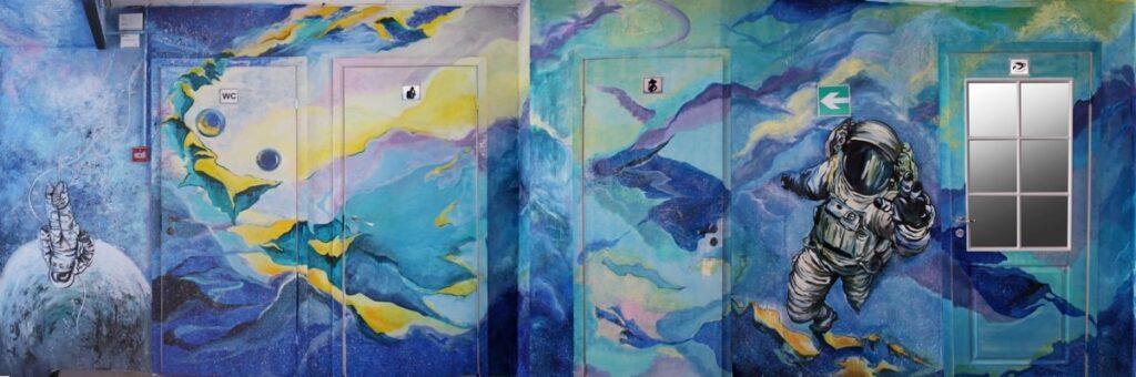 декоративная стена в коридоре