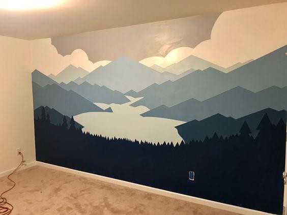 детские горы на стене