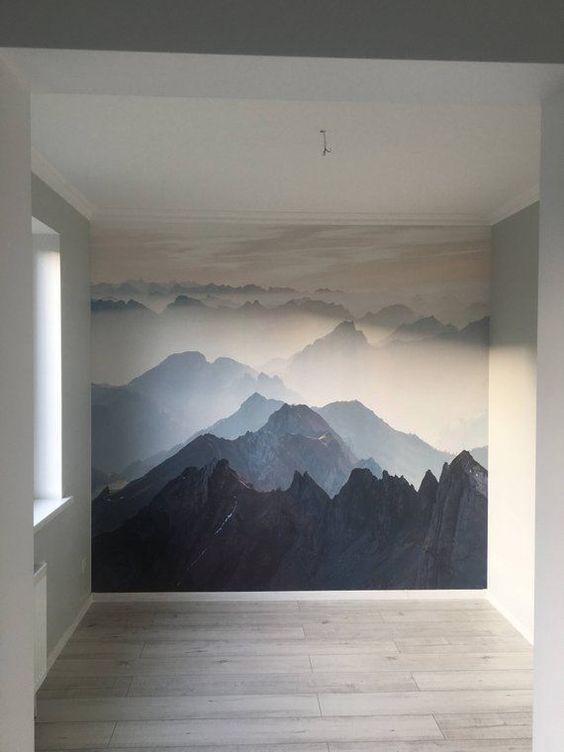 горы на стене спальни