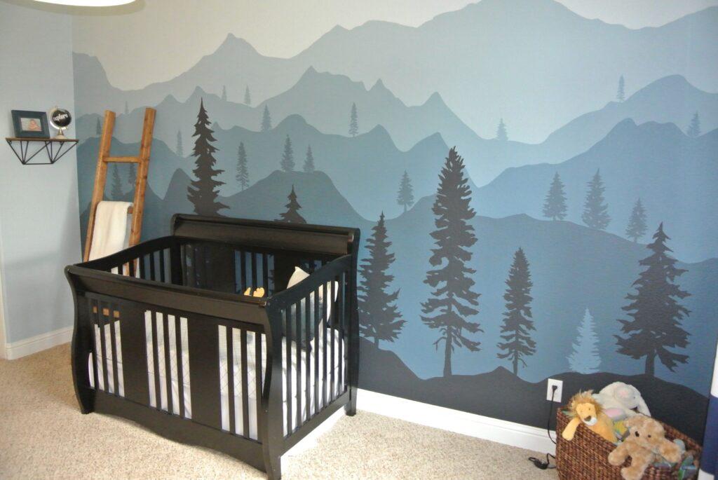 горы на стене в детской