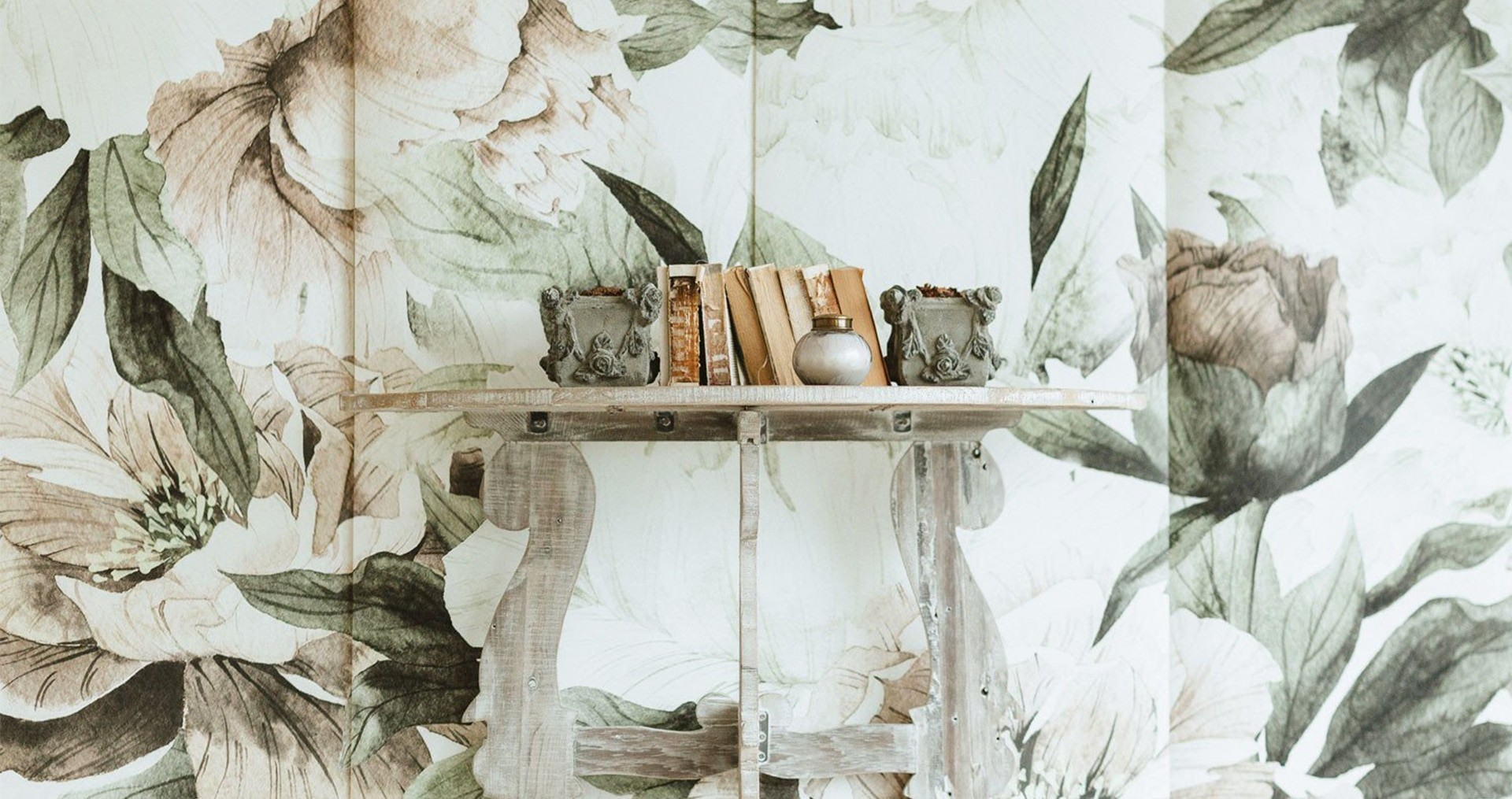 цветы на стене дизайн