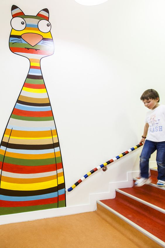 арт на стене в детском саду
