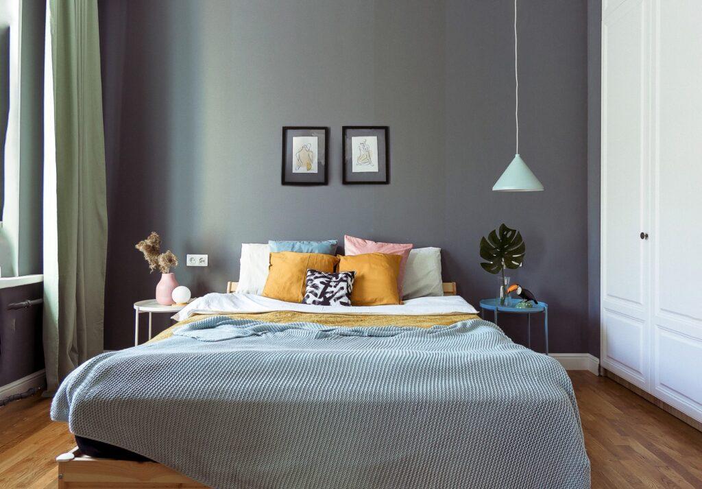интерьер комнаты с дизайном