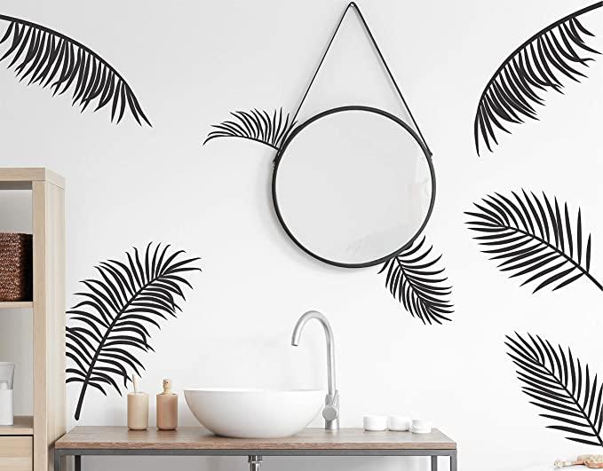 наклейка с пальмами на стене в интерьере