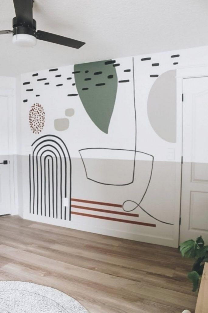абстракция на белой стенке