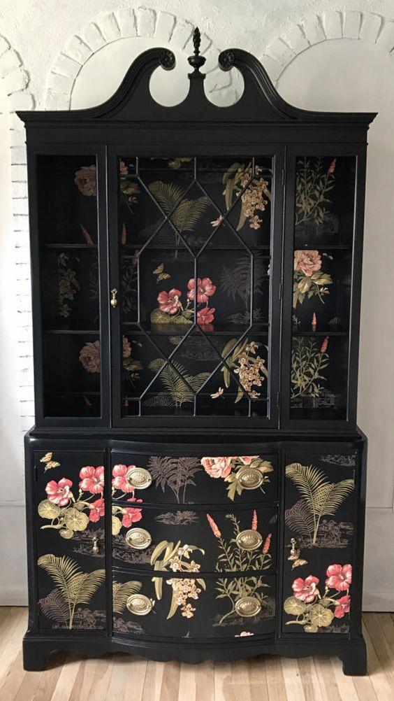 шкаф с рисунками цветов