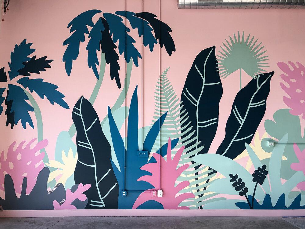 роспись на стене джунгли яркие