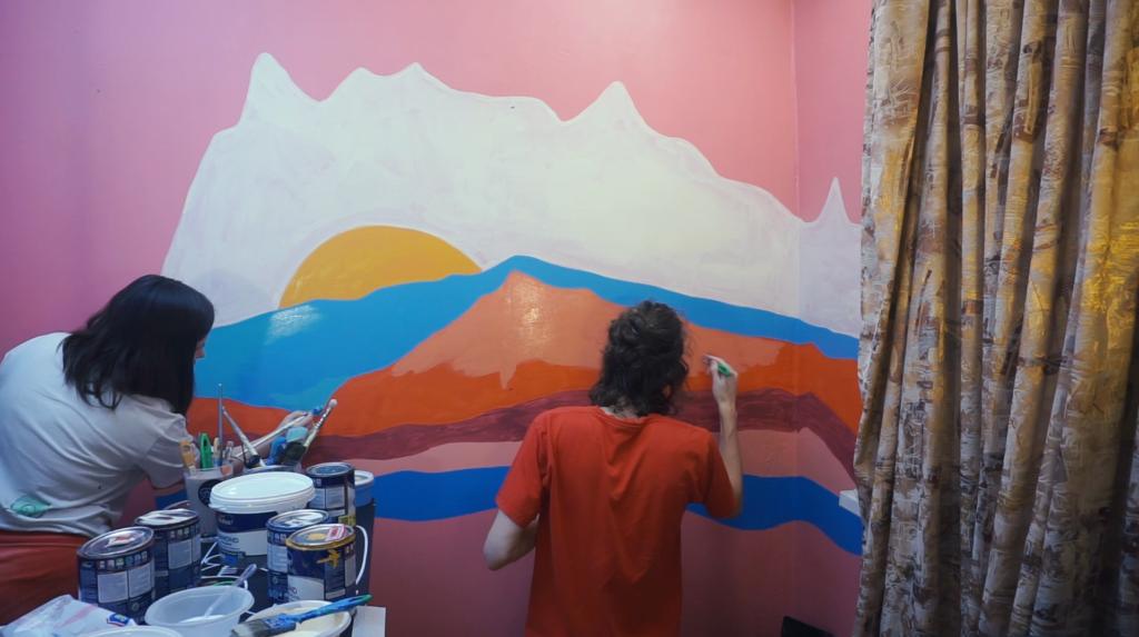 перекрашиваем стену
